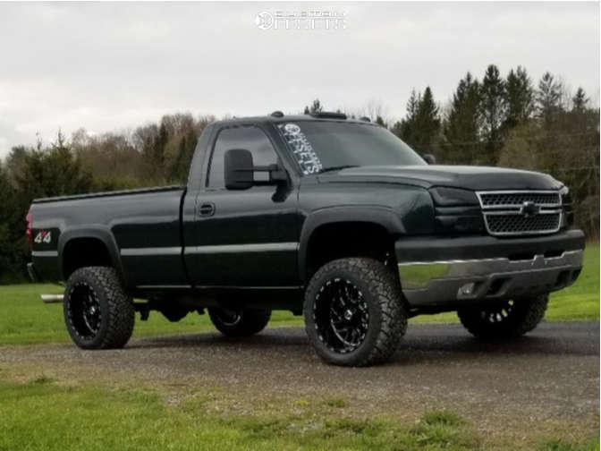 2005 chevy silverado 2500 TIS 544bm wheels venom tires rough country suspension