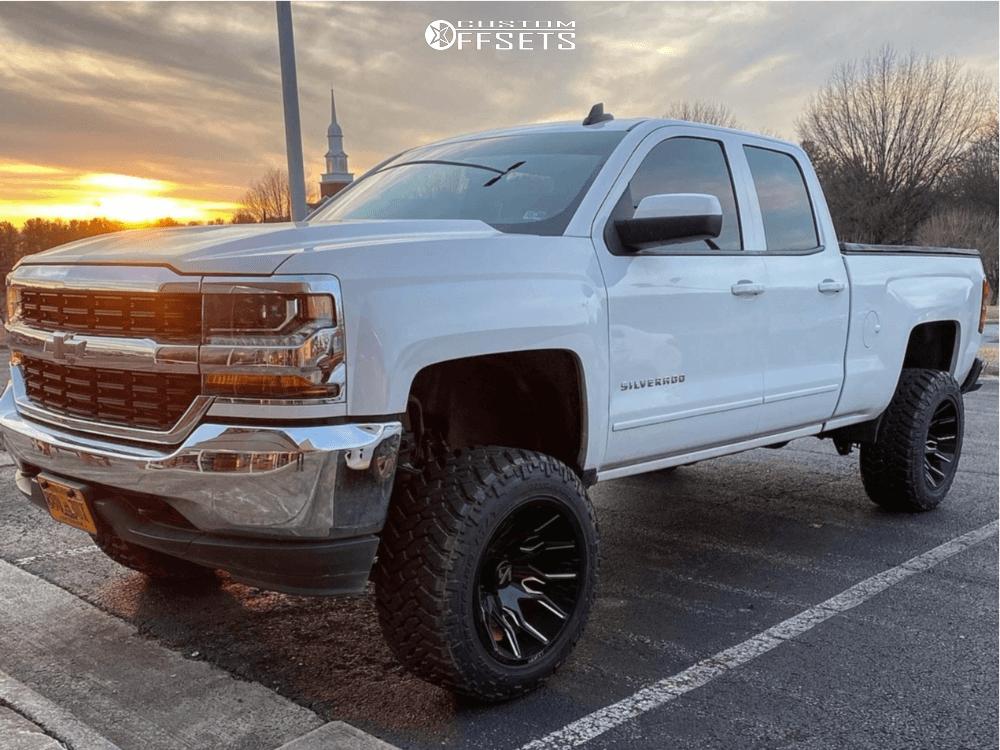 Chevy Silverado with ARKON OFF-ROAD Wheels